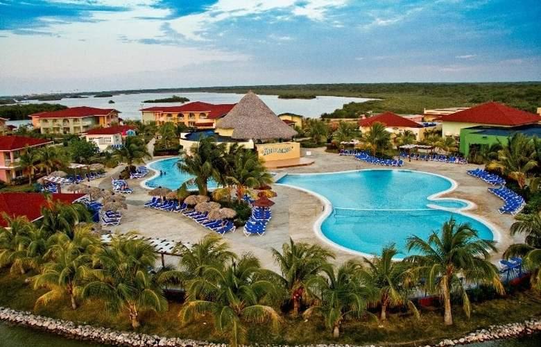 Memories Caribe Beach Resort  - Hotel - 4
