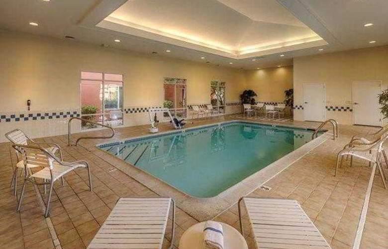 Fairfield Inn & Suites Reno Sparks - Hotel - 13