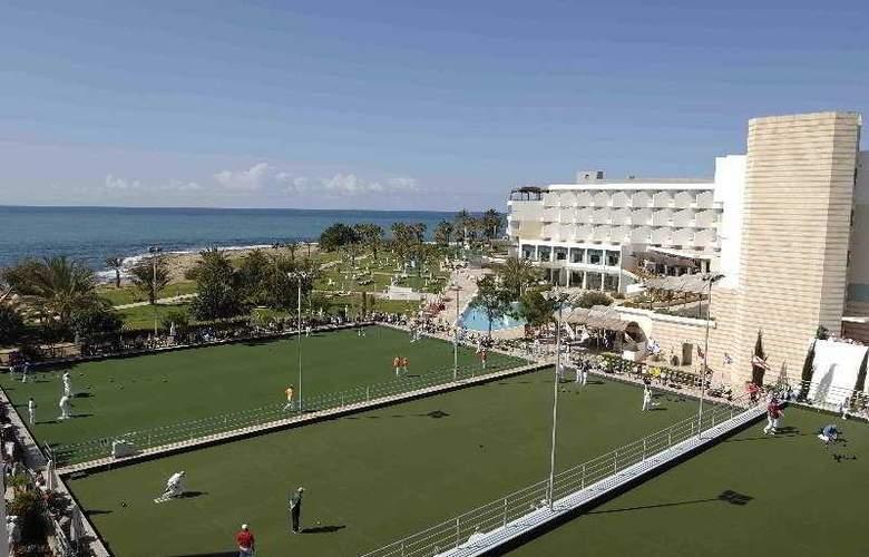 Constantinou Bros Athena Beach Hotel - Sport - 10