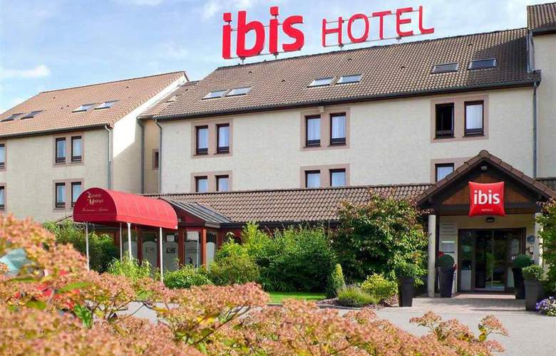 ibis Charleroi Airport Brussels South - Hotel - 1