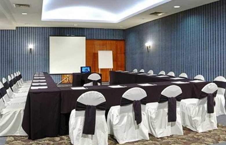 Comfort Inn Veracruz - Conference - 7
