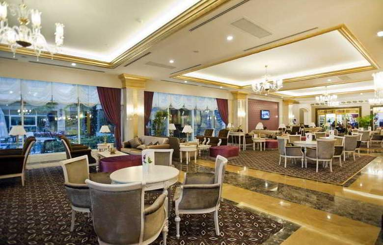 Crystal Palace Luxury Resort & Spa - General - 3