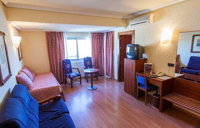Apartamentos Torreluz - Room - 6