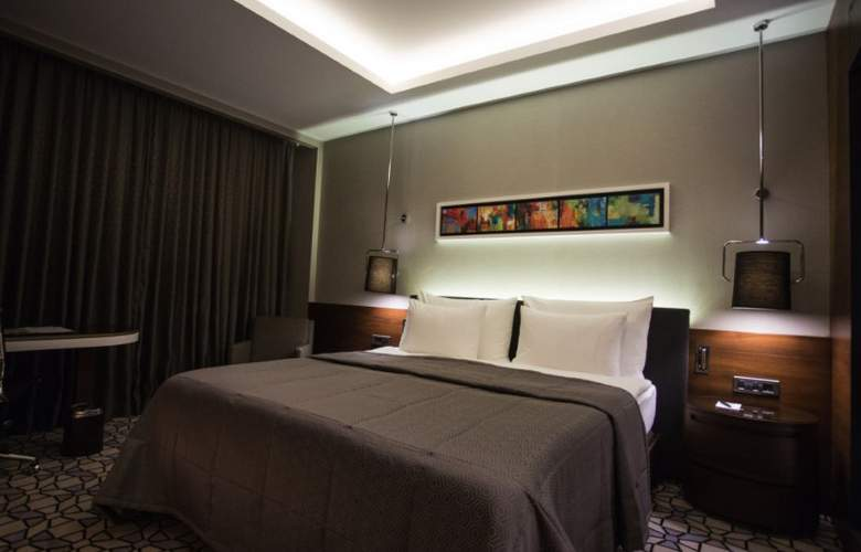 Royal Stay Palace - Room - 8