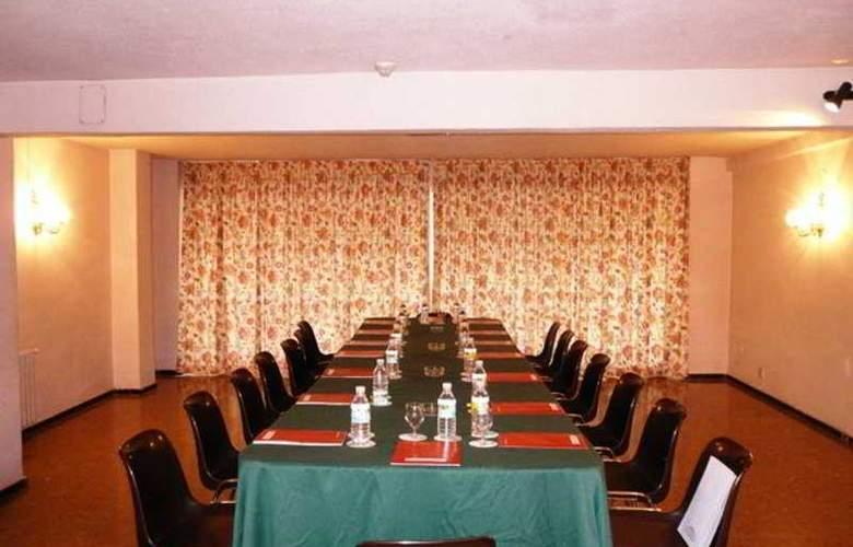 Goya - Conference - 3