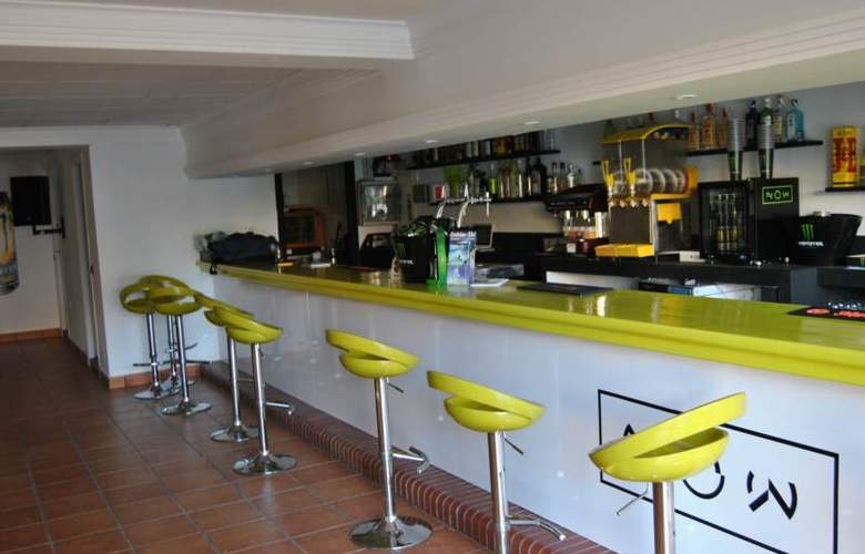 Apartamentos NOW Benidorm - Bar - 13
