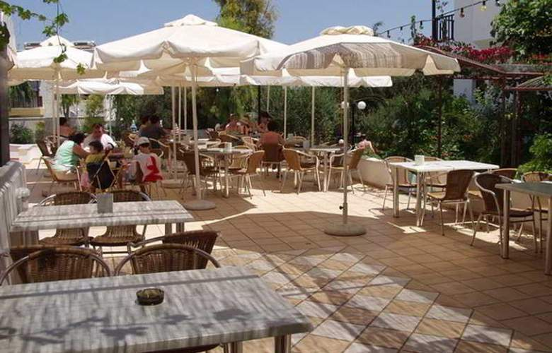 Club Lyda Hotel - Terrace - 8
