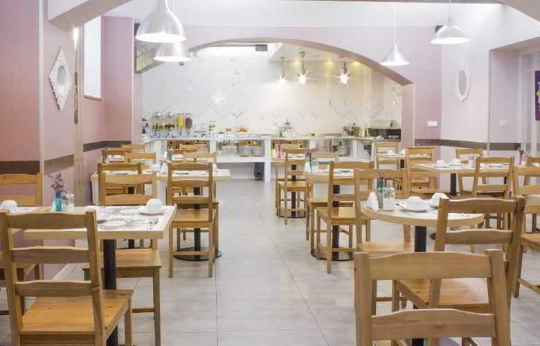 Royal Court - Restaurant - 13