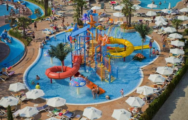 Evrika Beach Club - Pool - 21
