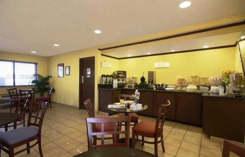 Best Western Desert Villa Inn - Restaurant - 33