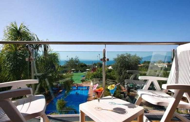 Comfort Hotel Gardenia Sorrento Coast - General - 1
