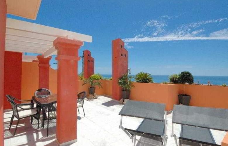 Holiday Hydros - Hotel - 0