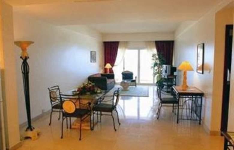 Landmark Suites Ajman - Room - 9