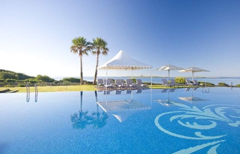 Insotel Punta Prima Prestige Suites & Spa - Pool - 1