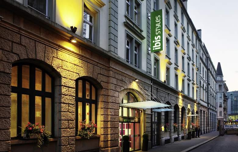 ibis Styles Luzern City - Hotel - 0