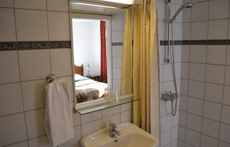 Hotel Windsor - Room - 6