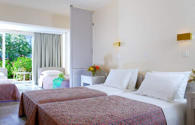 Santa Marina Beach - Room - 12