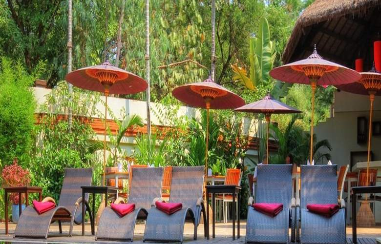 Heritage Suites Hotel - Pool - 22