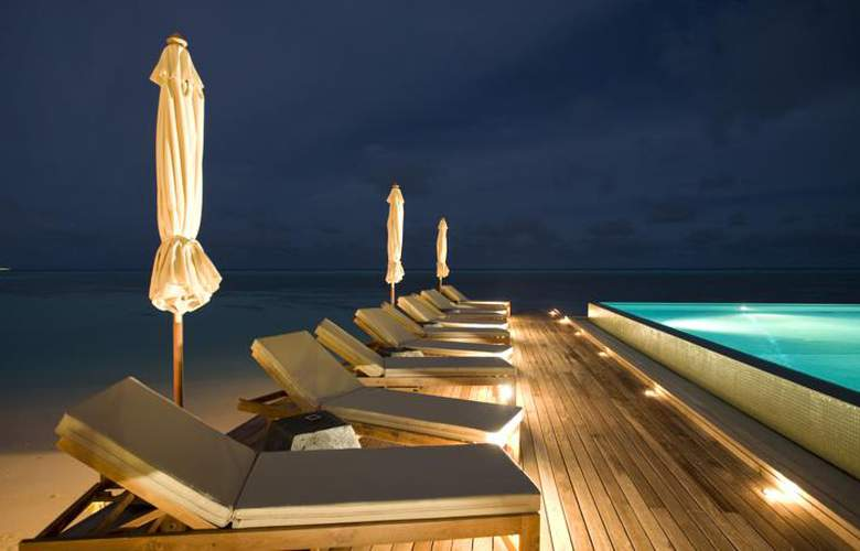 Lux South Ari Atoll - Pool - 3