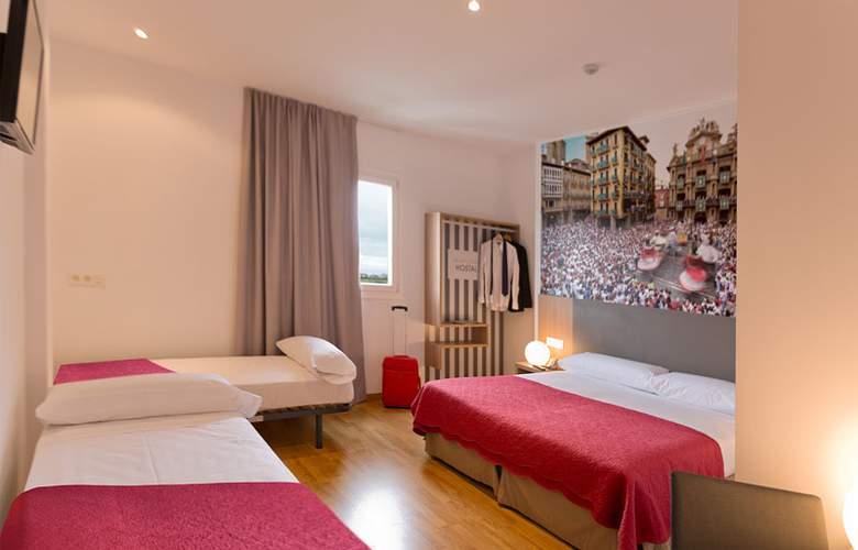 Hostal Pamplona - Room - 16