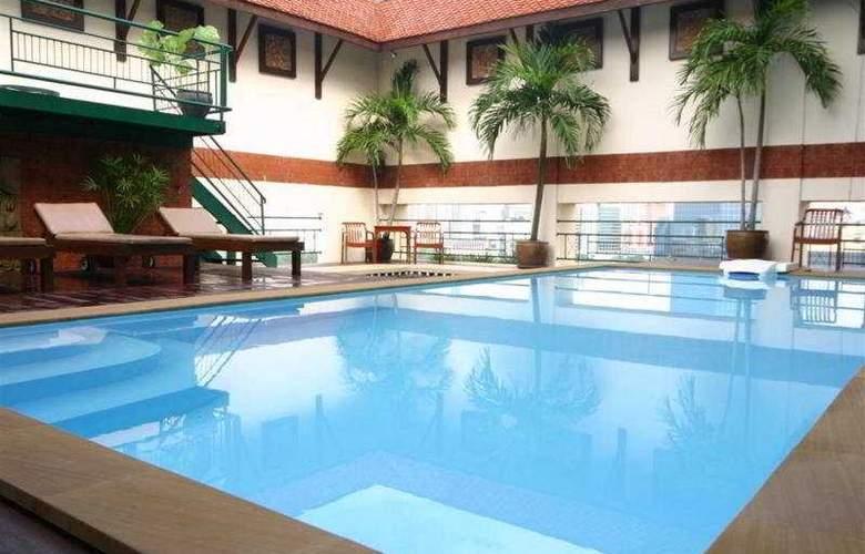 Pinnacle Lumpinee - Pool - 3