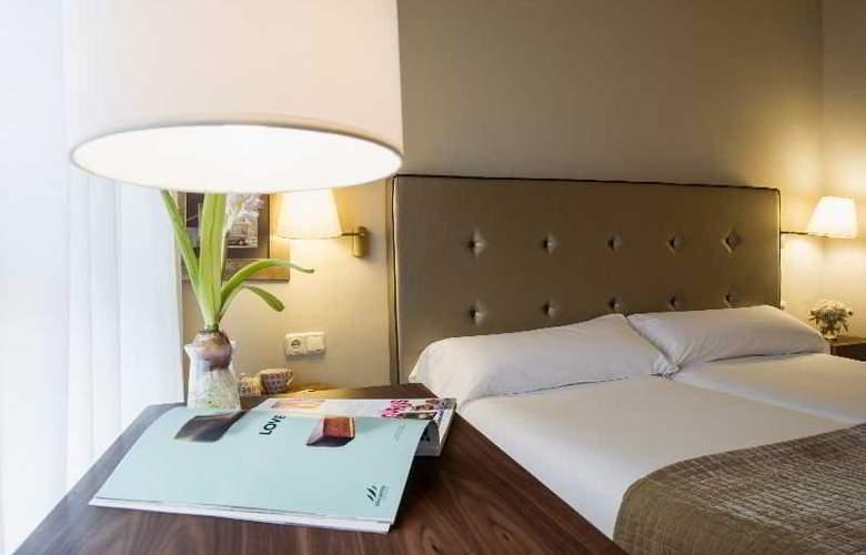Pamplona Plaza - Room - 15