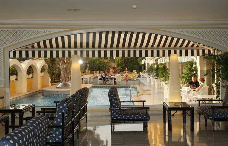 Augusta Club Hotel & Spa - Bar - 6