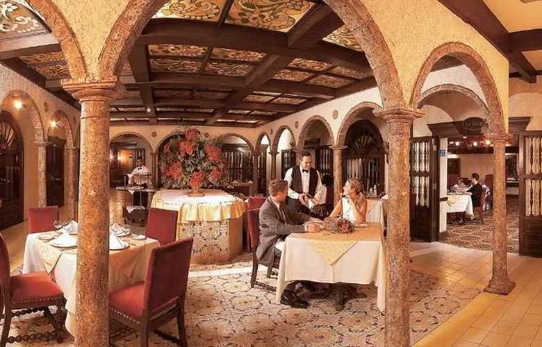 Dominican Fiesta Hotel & Casino - Restaurant - 11