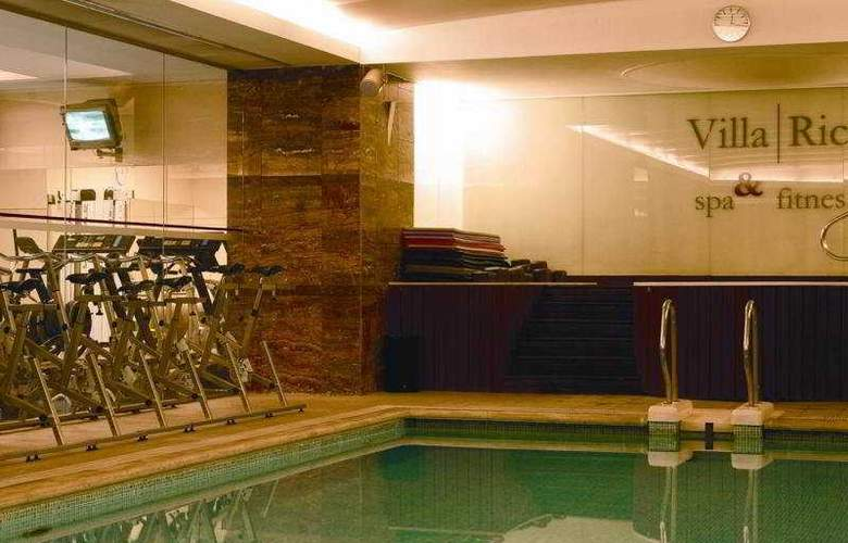 VIP Executive Entrecampos Hotel & Conference - Pool - 5
