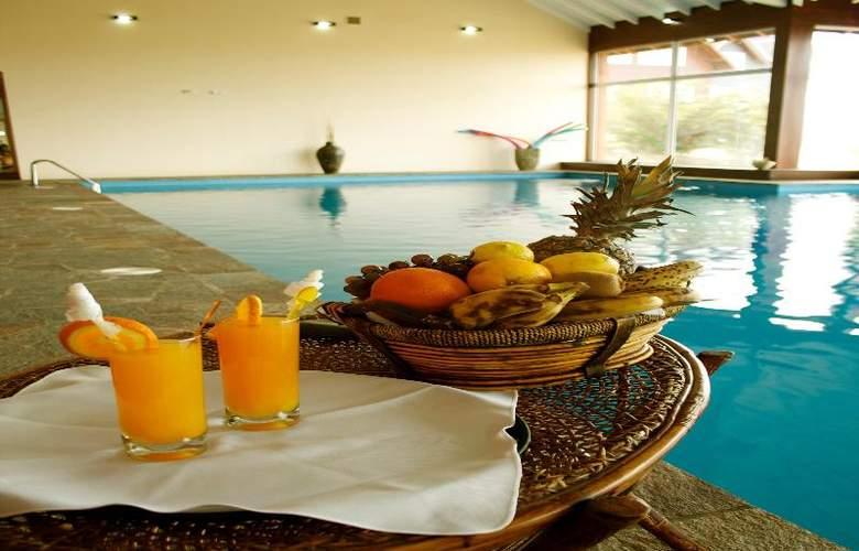 Alto Calafate Hotel Patagonico - Pool - 32