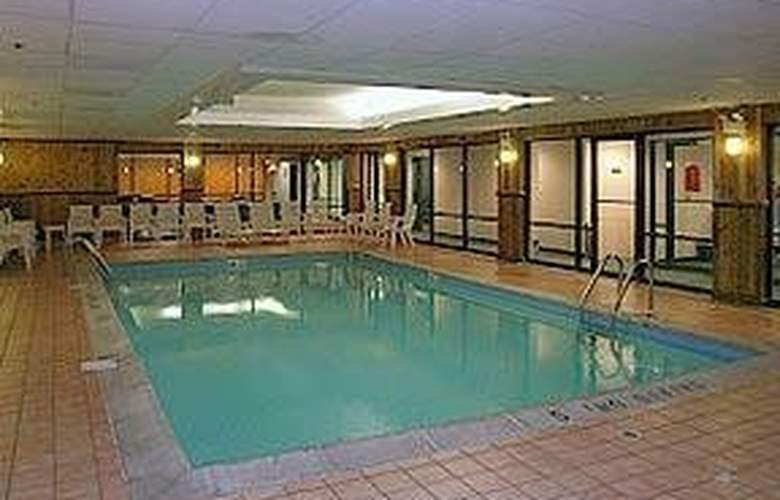 Comfort Suites (Oakbrook Terrace) - Pool - 5
