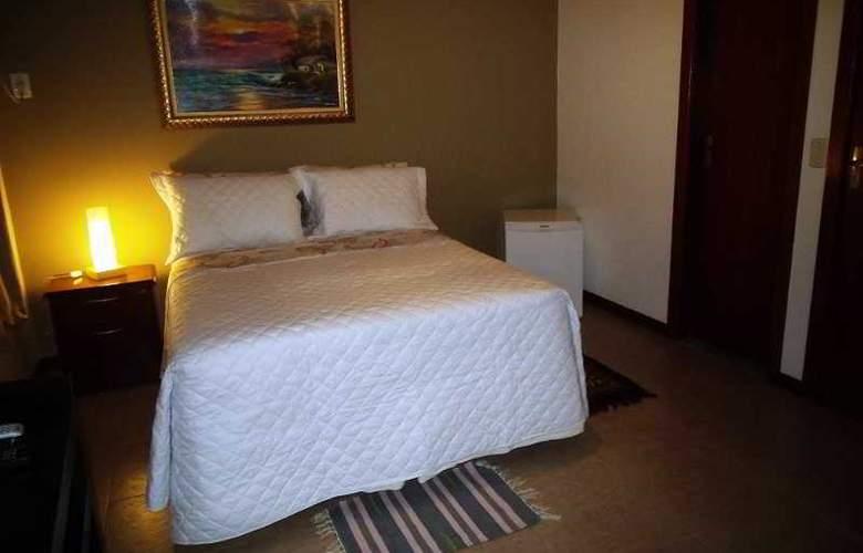 Falcon Guest Suites - Room - 19