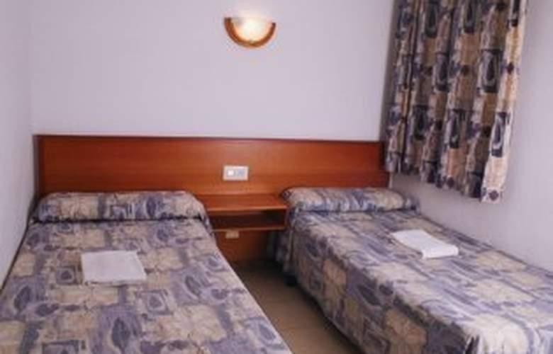 Almonsa Playa - Room - 3