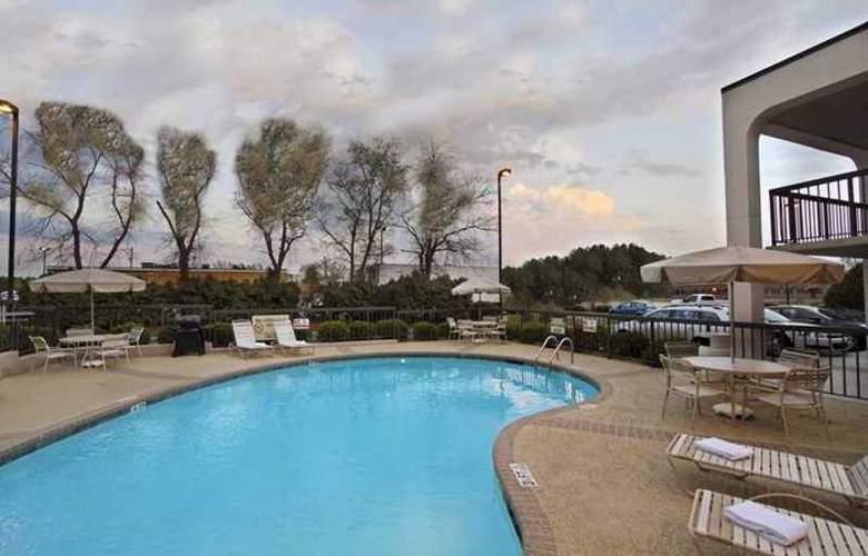 Hampton Inn Fayetteville-I-95 - Hotel - 3