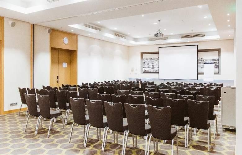Holiday Inn Simonovsky - Conference - 25