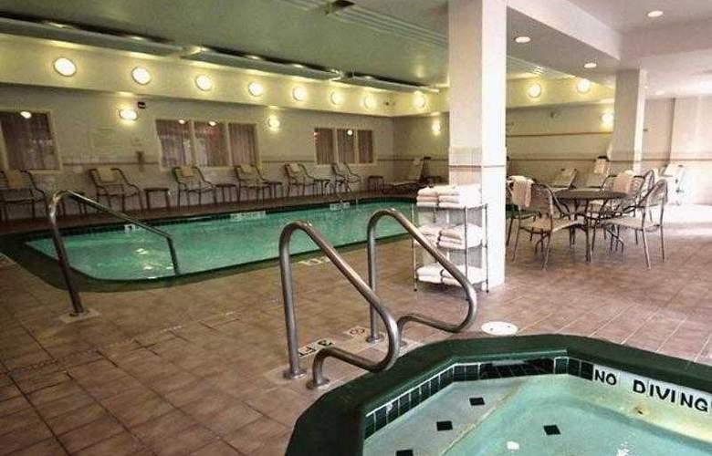 Courtyard Houston Intercontinental Airport - Hotel - 0