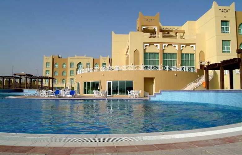 Al Jahra Copthone Hotel & Resort - Pool - 8
