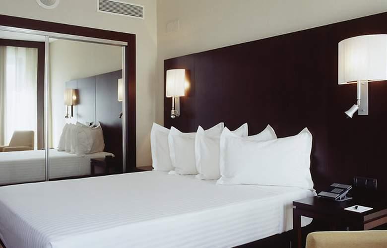 AC Ciudad de Sevilla - Room - 4