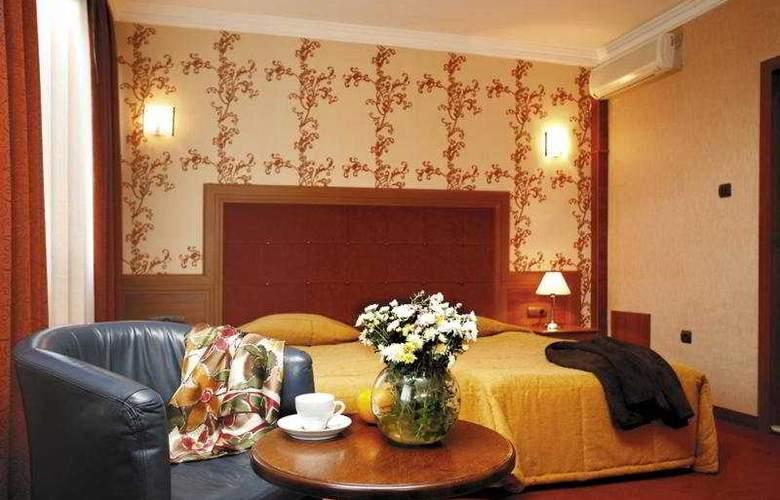 Star Hotel - Room - 1