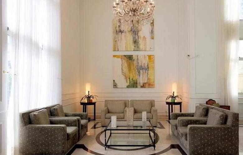 Comfort Suites Oscar Freire - General - 2