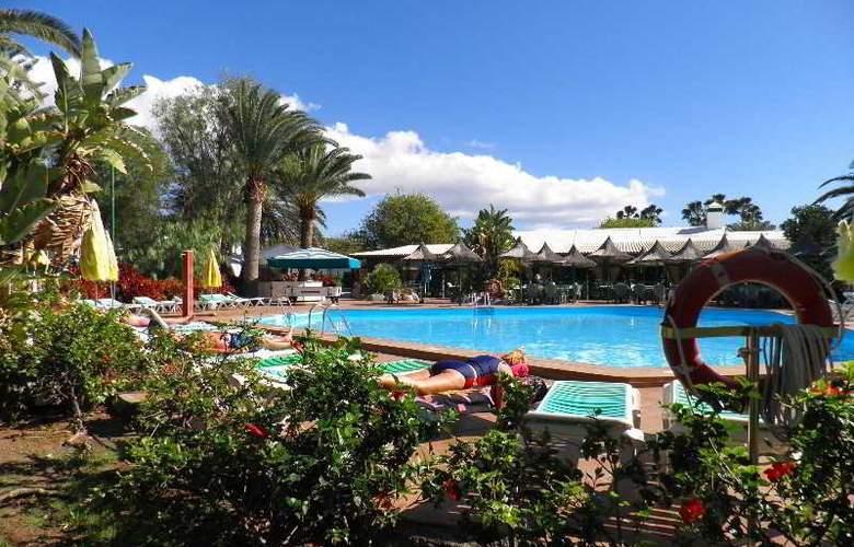 Canary Garden Club - Pool - 12