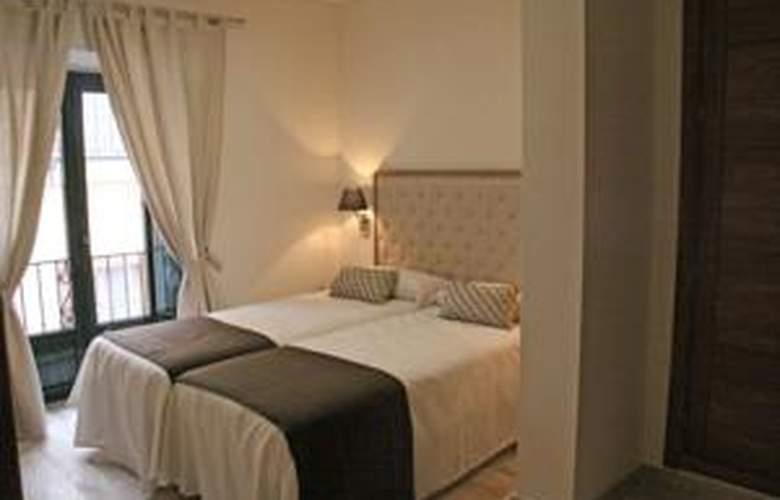 Living-Sevilla Apartments Maestranza - Room - 7