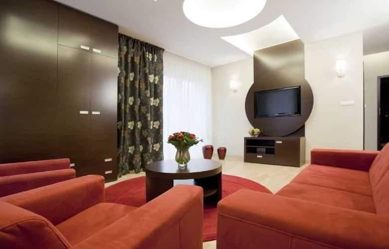 Hotel Platinum - Room - 6