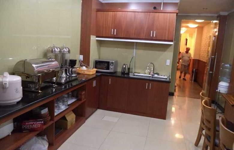 Ruby Hotel Ben Thanh - Restaurant - 4