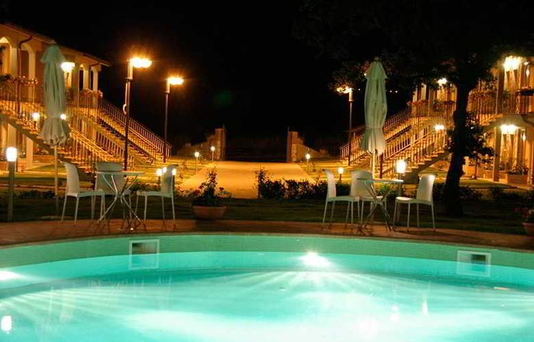 Relais Villaggio Le Querce - Pool - 4