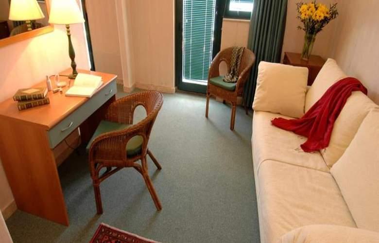 Eden Riviera - Room - 9