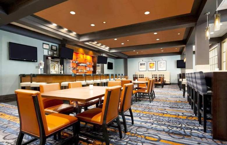 Hilton Knoxville - Restaurant - 10
