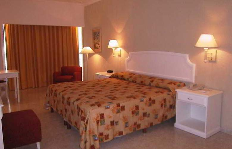 Playa Paraiso - Room - 4