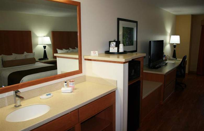 Best Western Plus Park Place Inn - Room - 105
