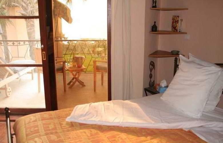 Les Alizes Beach Resort - Room - 2